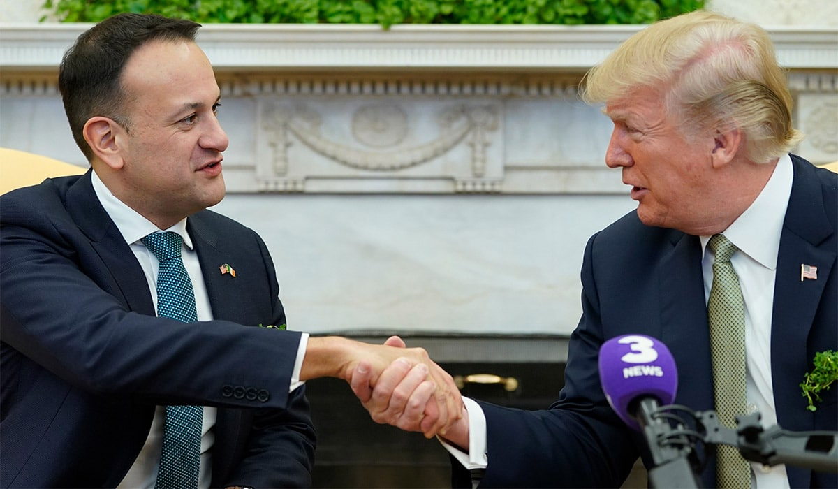 Professor Kevin Curran, Ulster University in paper review on Highland Radio along with Damian Dowds where we discuss Taoiseach's visit to meet Donald Trump, border issue arising from Brexit, latest HSE crisis & St Patrick's Day.